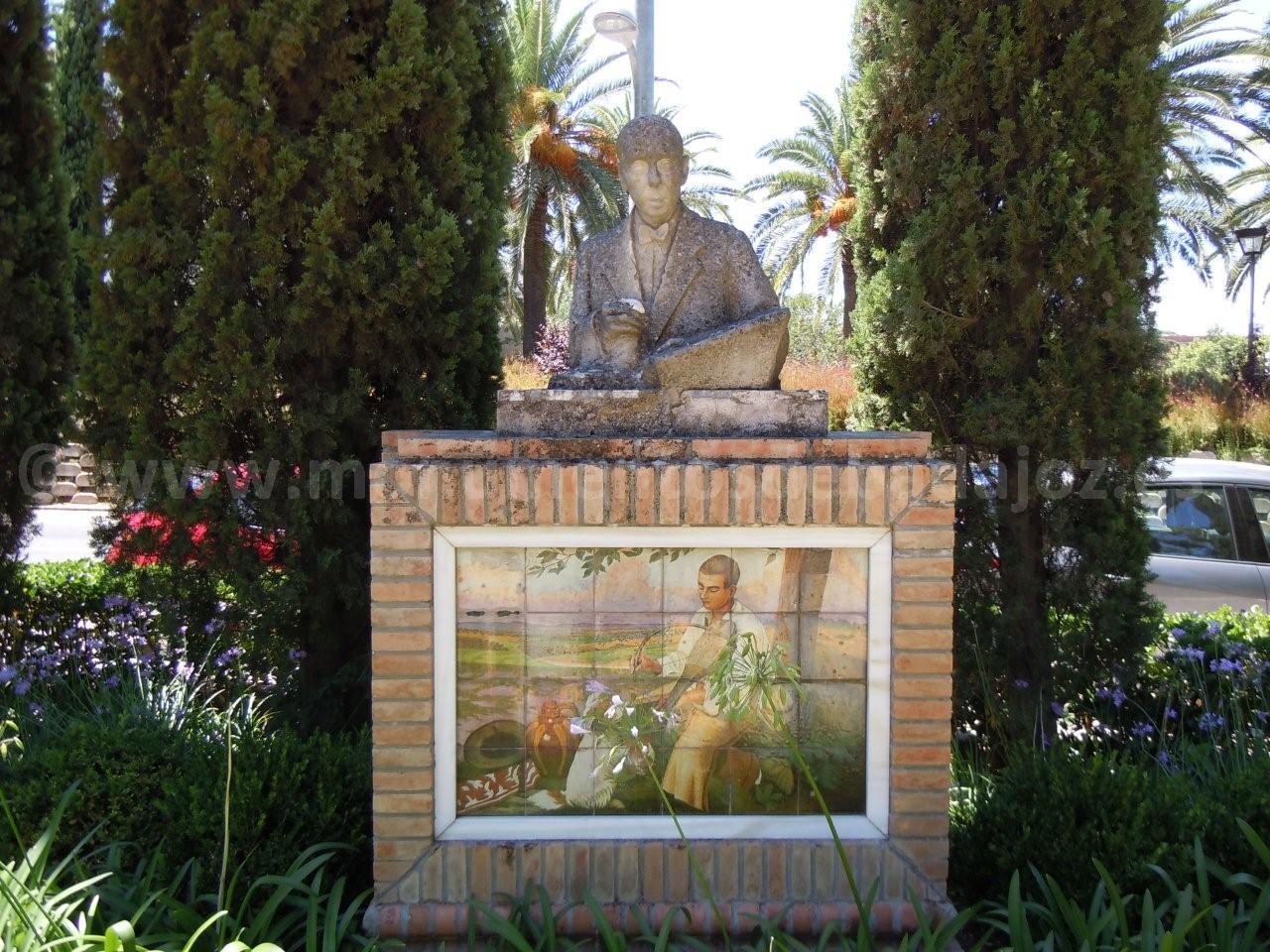 Busto de Adelardo Covarsí.  Parque de Castelar.  Badajoz